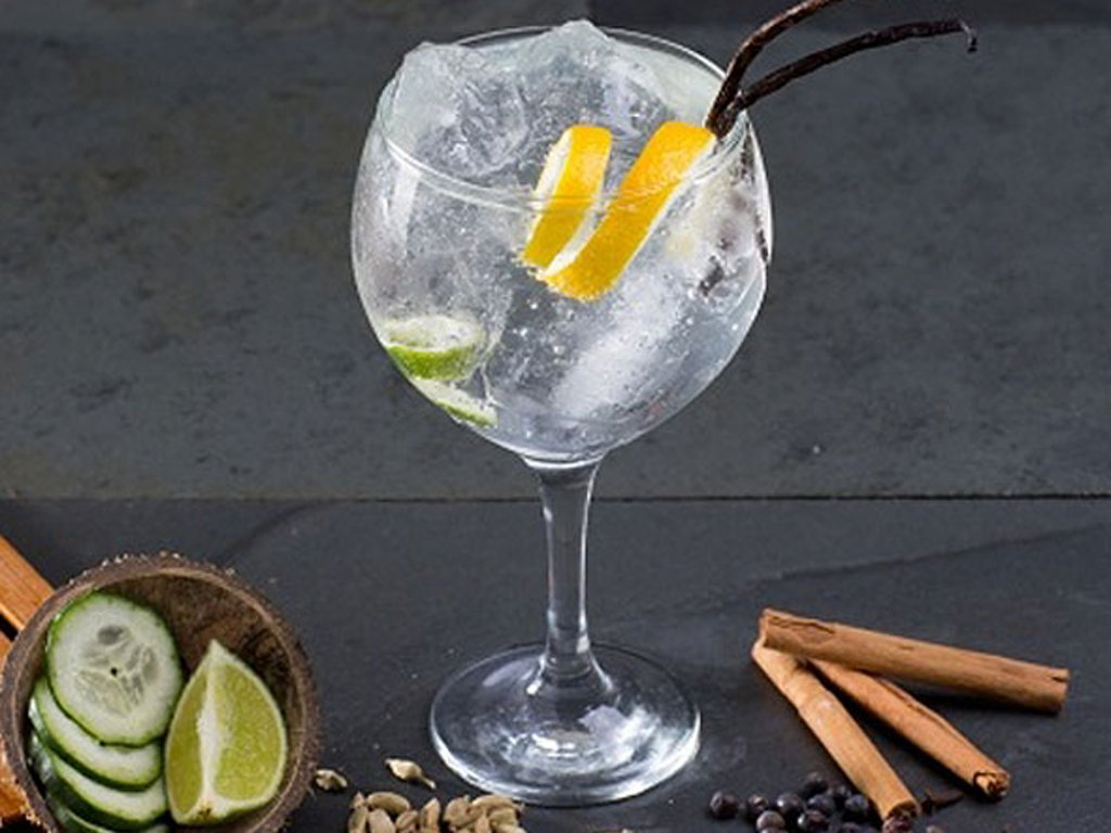 Longdrink: Gin Tonic – Gratis Tube.de